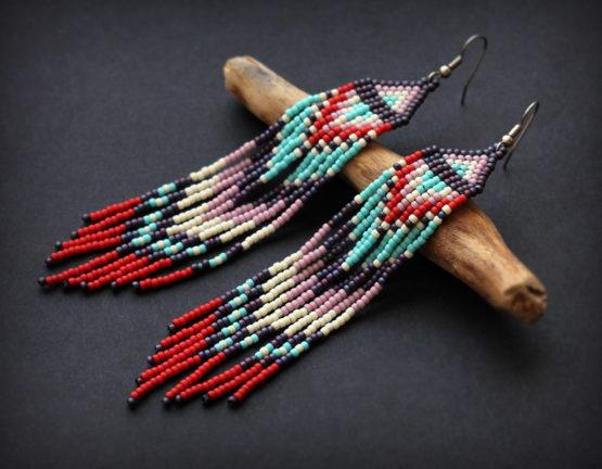 Купить яркие серьги плетеные из бисера