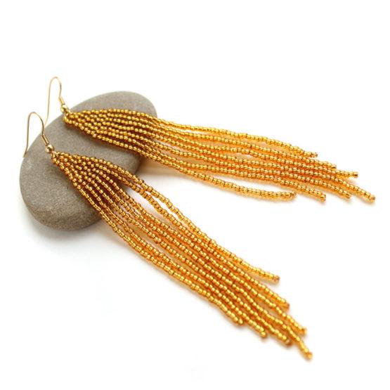 купить длинные сережки из темно золотого бисера