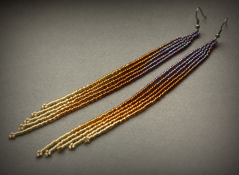 Оригинальные длинные серьги из бисера купить