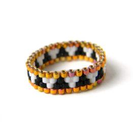 необычное кольцо из бисера купить