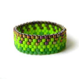 купить яркое бисерное кольцо в магазине
