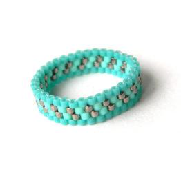 Стильное кольцо на большой палец бисерные изделия бирюзового цвета цена