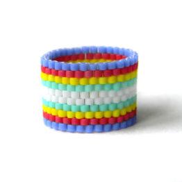 Купить оригинальное широкое кольцо из бисера в интернет-магазине авторской бижутерии ручной работы.