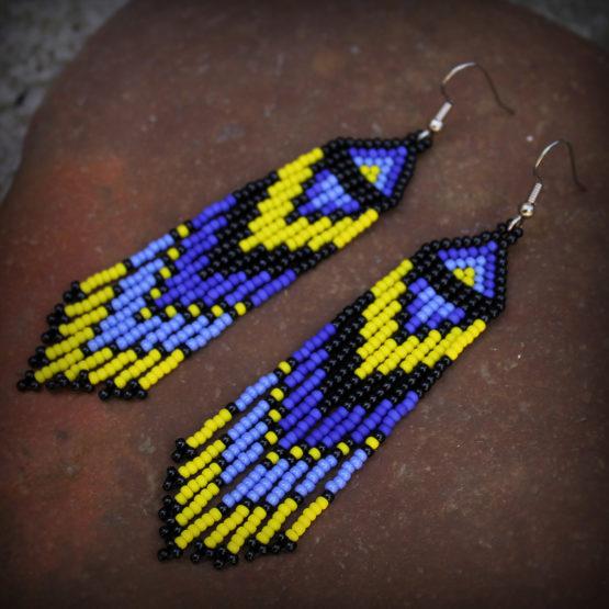 желтые с синим яркие серьги из бисера летняя бижутерия