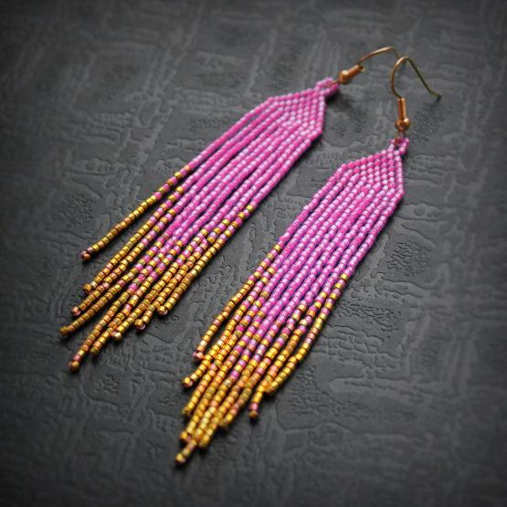 Купить висячие сережки из бисера ярко-розового цвета бижутерия из бисера и бусин интернет магазин