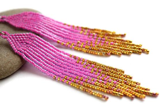 Купить ярко-розовые с золотым серьги из бисера серьги длинные висячие бижутерия купить
