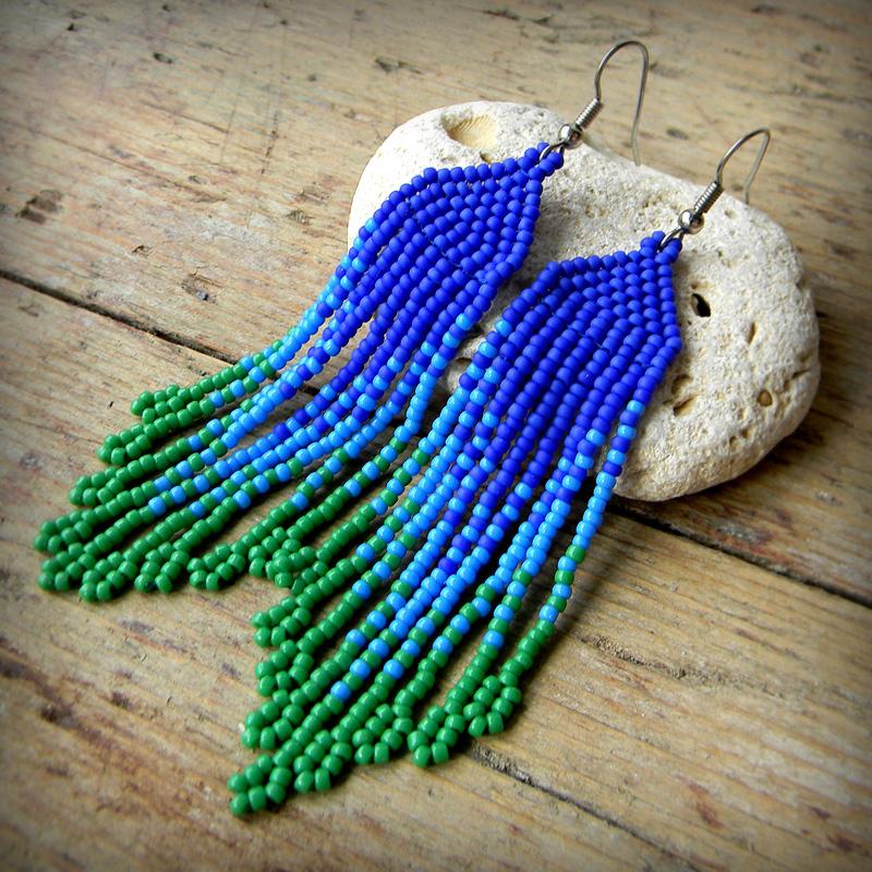 красивые оригинальные сережки из бисера