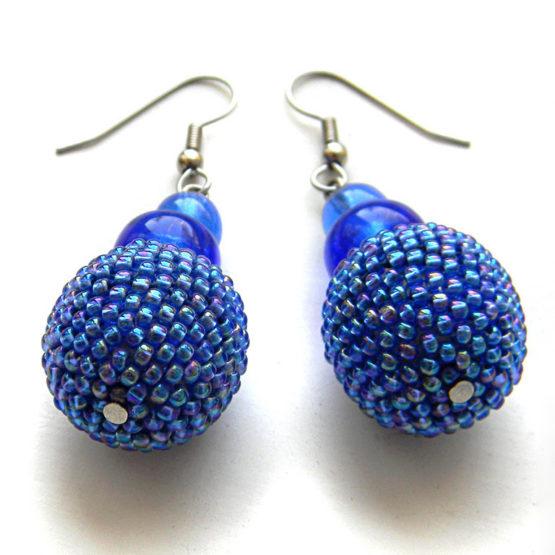 синие висячие серьги шарики из бисера