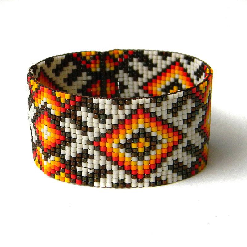 необычный браслет на руку из бисера купить