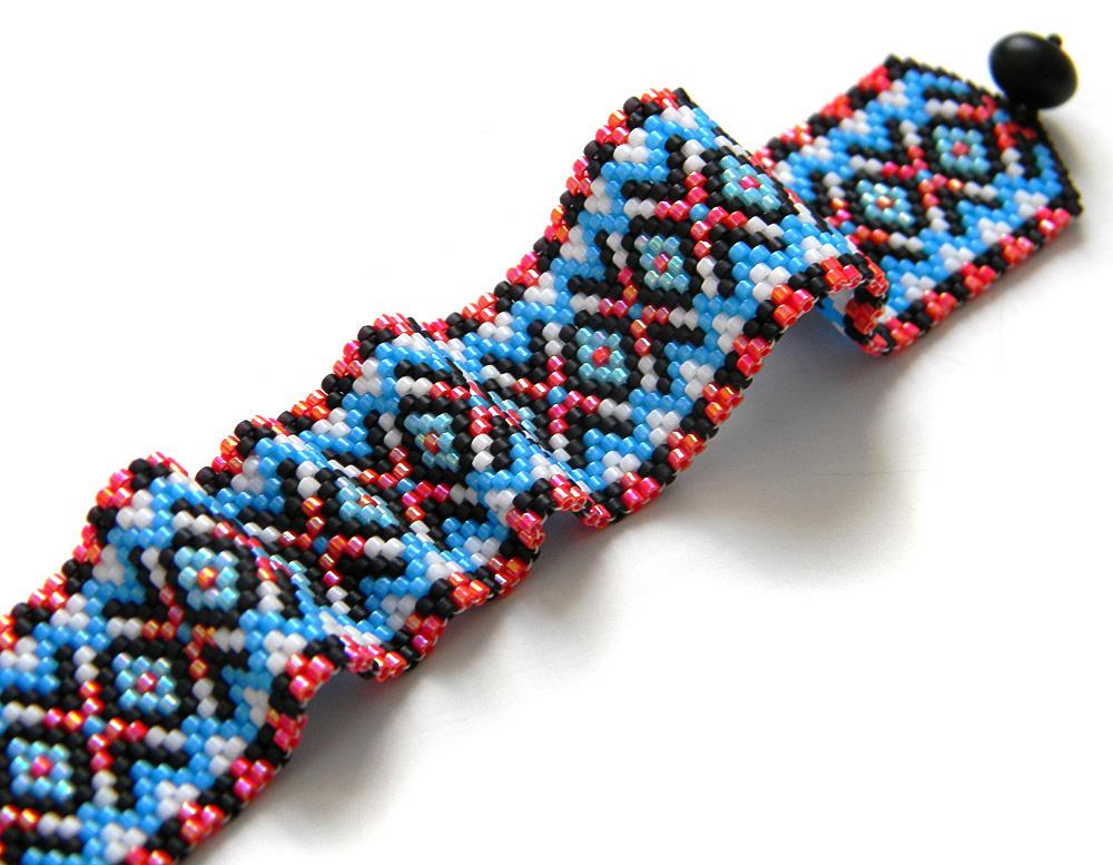необычный браслет из бисера в стиле этно прикольные браслеты купить