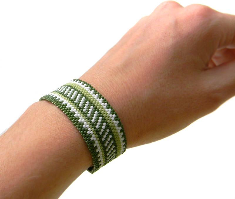 красивый браслет для девушки
