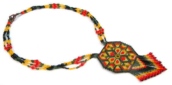 яркий бисерный кулон в этническом стиле фото цена