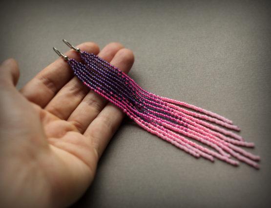 длинные стильные сережки из бисера вечерняя бижутерия