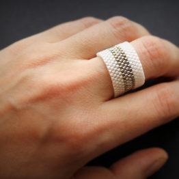 купить бижутерию белого цвета очень широкое толстое кольцо