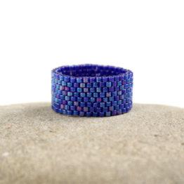 Купить тёмно-синее кольцо из бисера Бижутерия в стиле минимализм