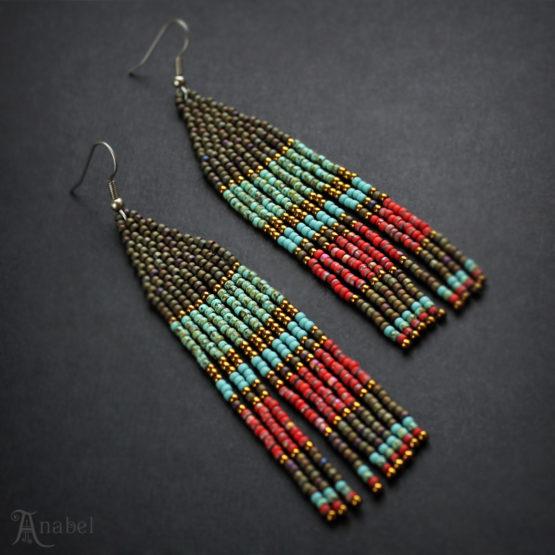 Висячие бисерные серьги в этно-стиле