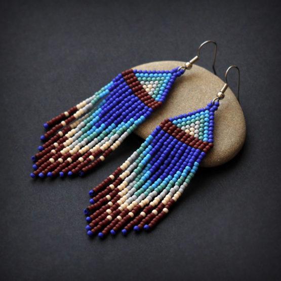 необычные серьги из бисера в этно стиле