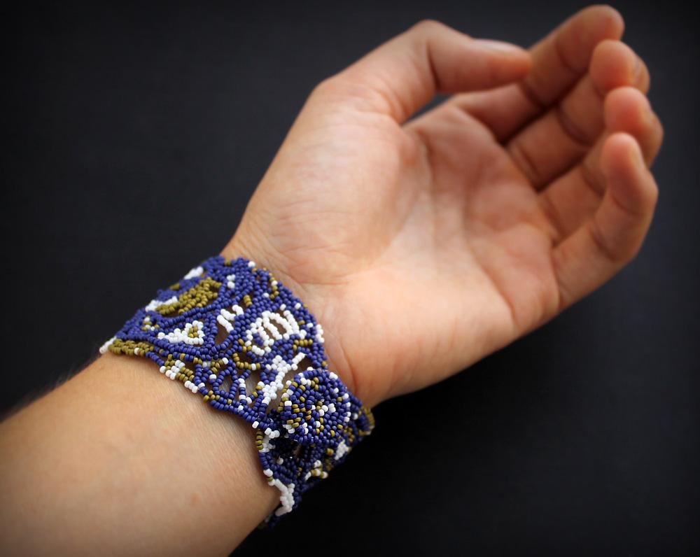 купить авторские украшения из бисера в технике фриформ браслет широкий