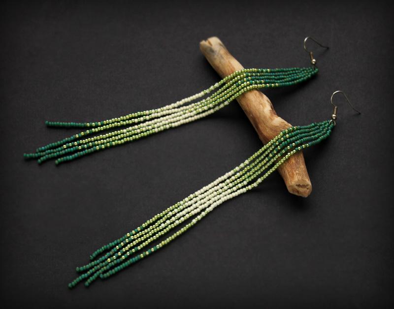 купить стильные молодежные серьги зеленого цвета бижутерия