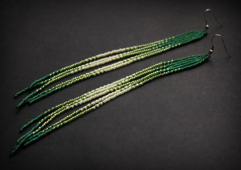 купить вечерние зеленые серьги из бисера в интернет магазине