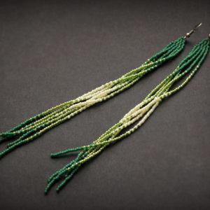 купить очень длинные зеленые серьги из бисера в стиле бохо-шик