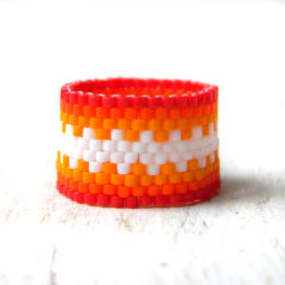 Яркое женское кольцо в интернет-магазине бижутерии из бисера