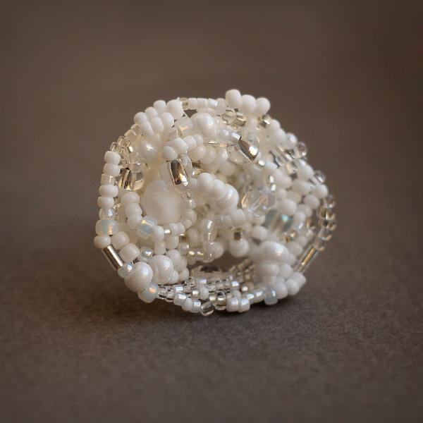 женское кольцо бижутерия