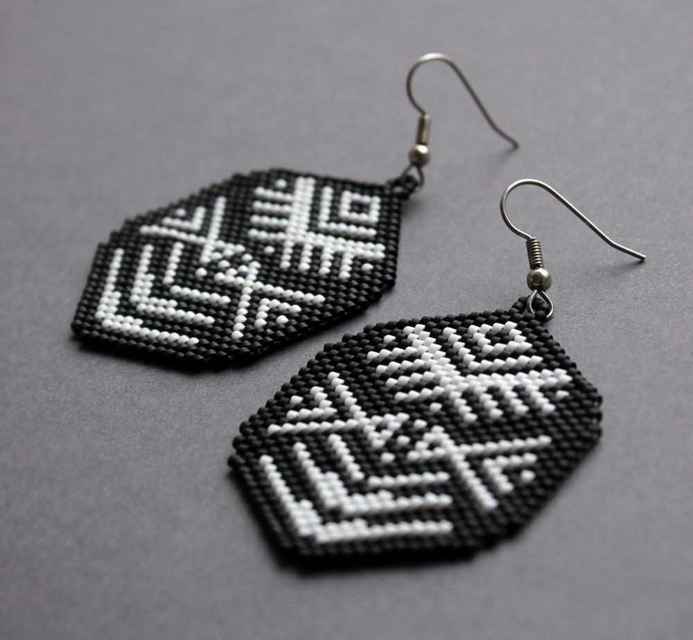 Необычные большие черно белые серьги Бижутерия в стиле этно