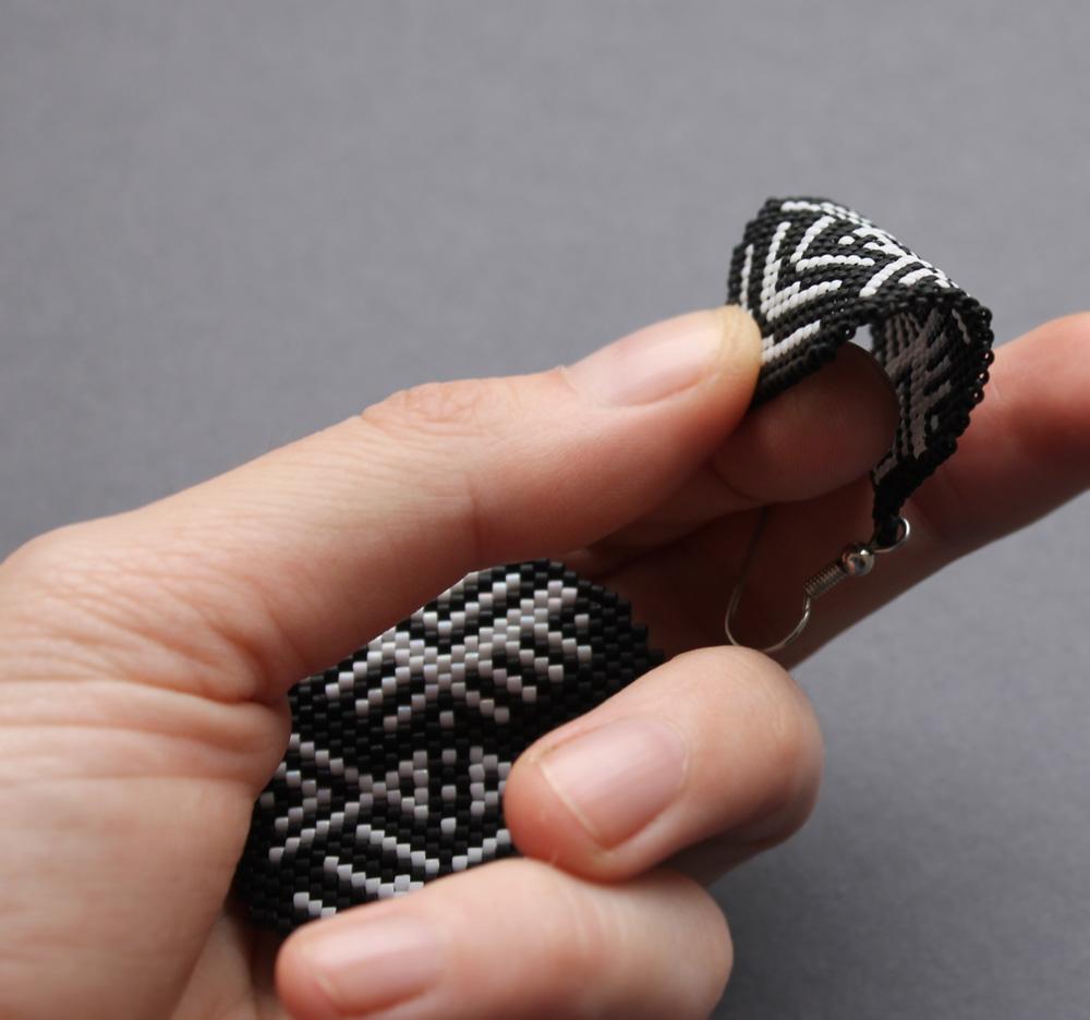 Модные стильные серьги ручной работы купить