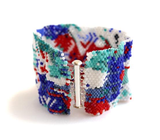 купить широкий разноцветный браслет из бисера ручной работы