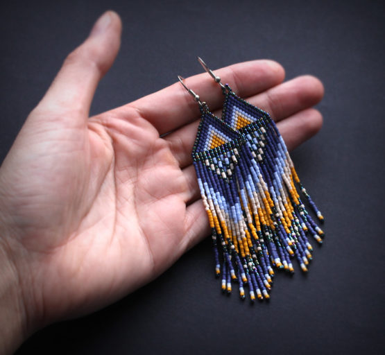 длинные бисерные серьги в этно стиле
