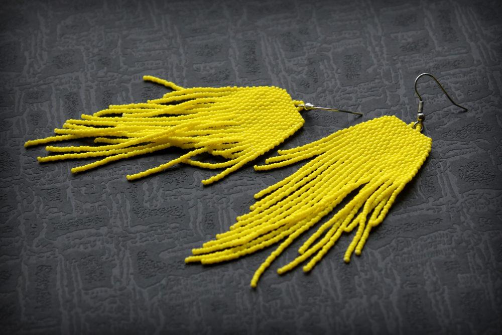 бижутерия желтого цвета сережки ручной работы из бисера