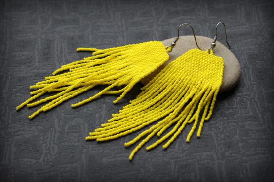 украшения желтого цвета яркие большие сережки для девушки