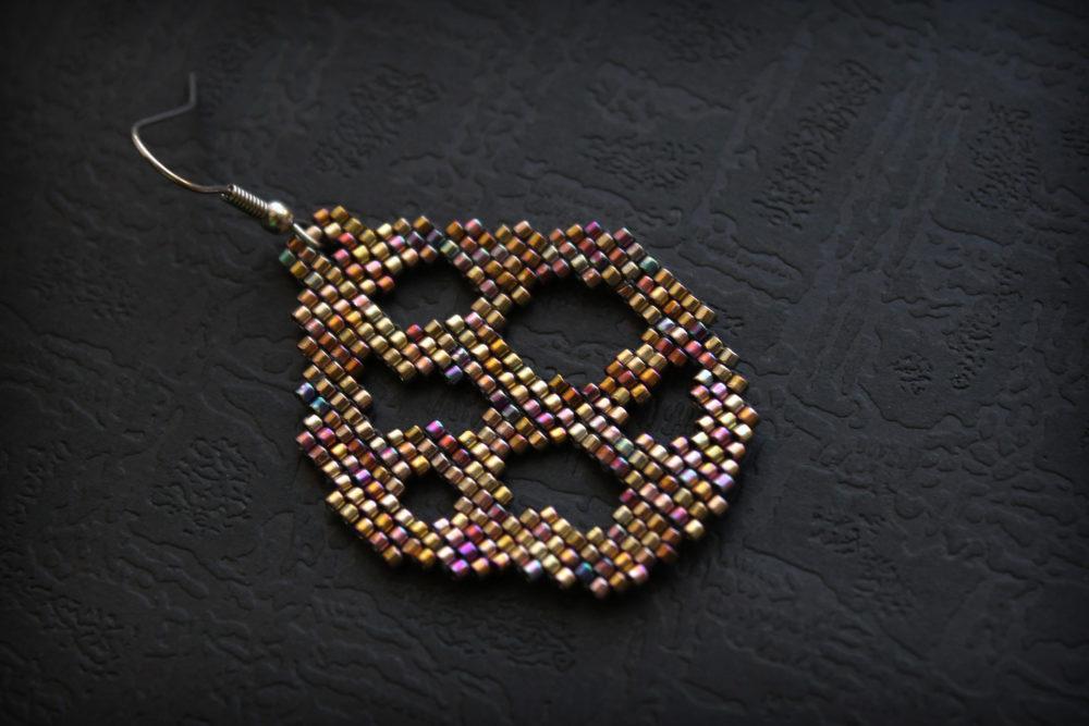 одиночные серьги для женщин купить изделия из бисера ручной работы