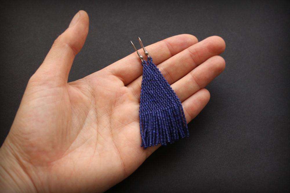 купить темно синие серьги из бисера Купить подарок подруге на годовщину дружбы