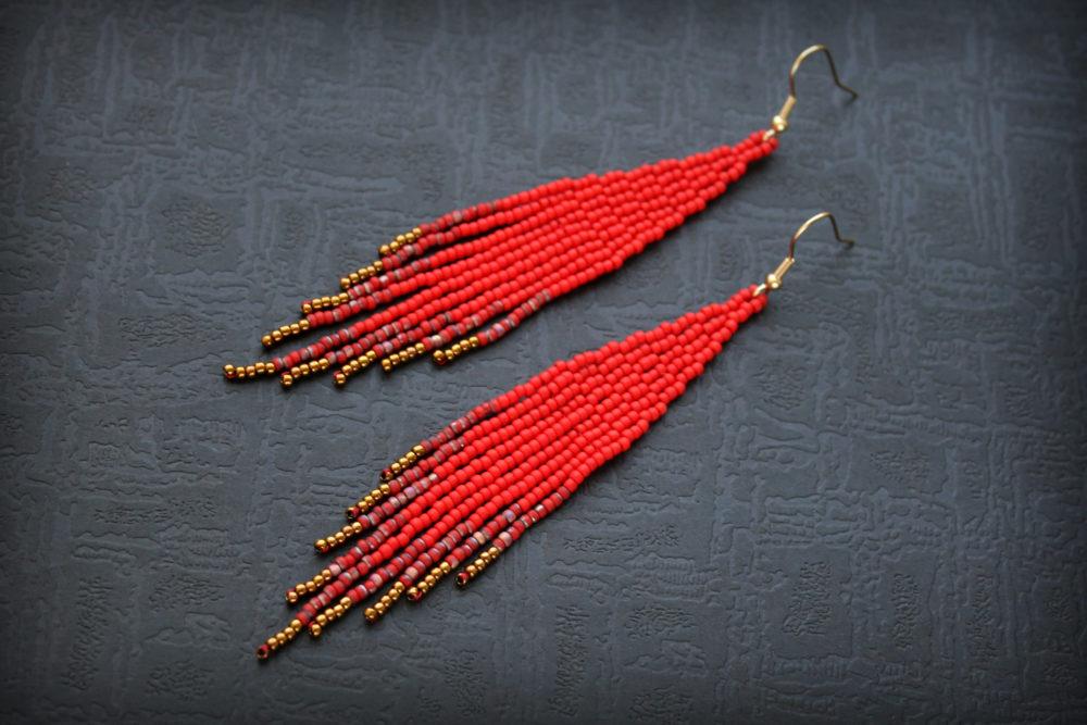 красные сережки фото большие серьги красные