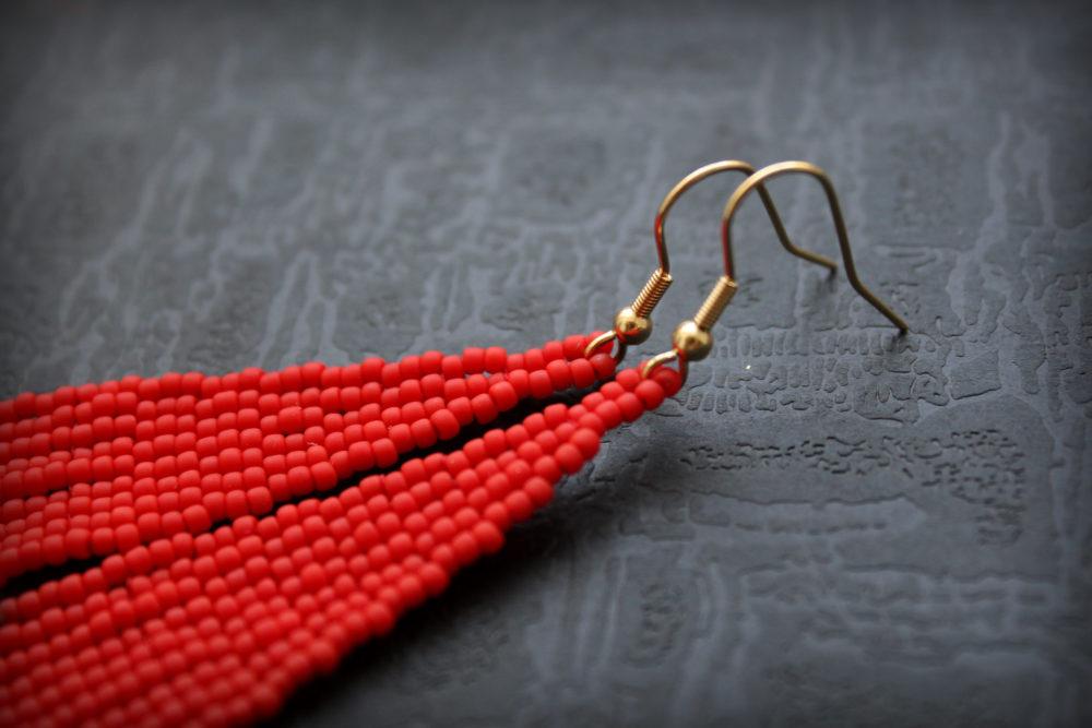 красные серьги бижутерия