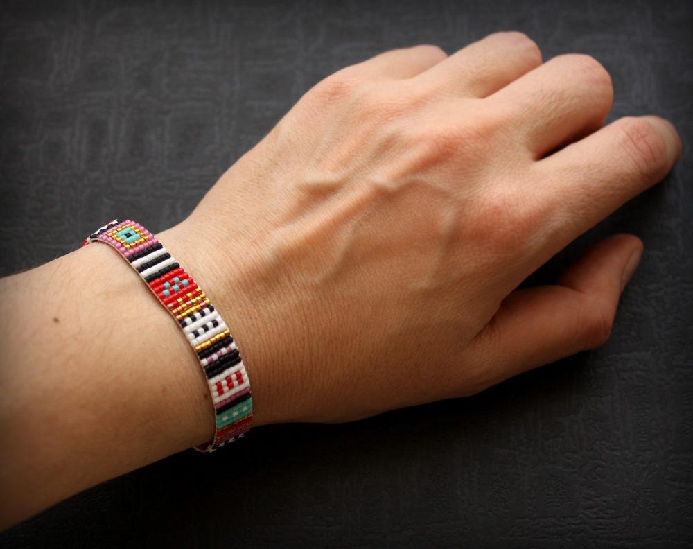 купить бисерный браслет в стиле хиппи