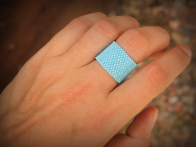 широкое голубое кольцо на палец женское купить