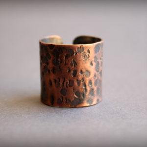 Широкое медное кольцо в стиле бохо