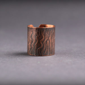 Широкое медное кольцо с узором
