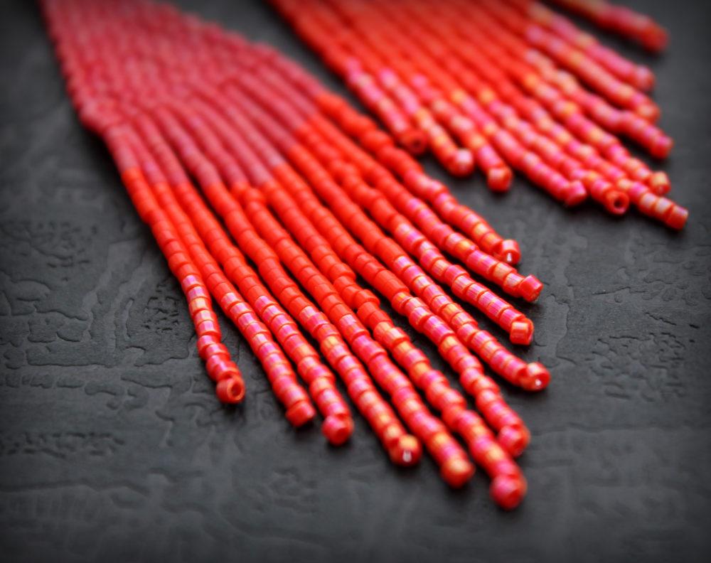 длинные красные серьги