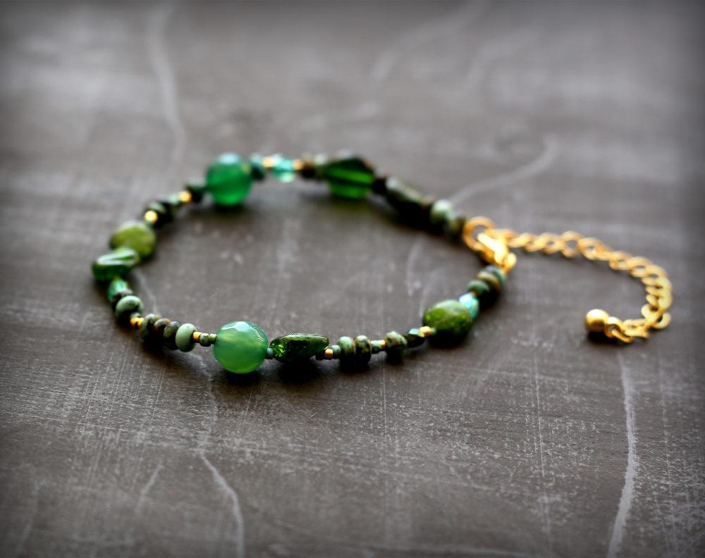 тонкие браслеты из натуральных камней