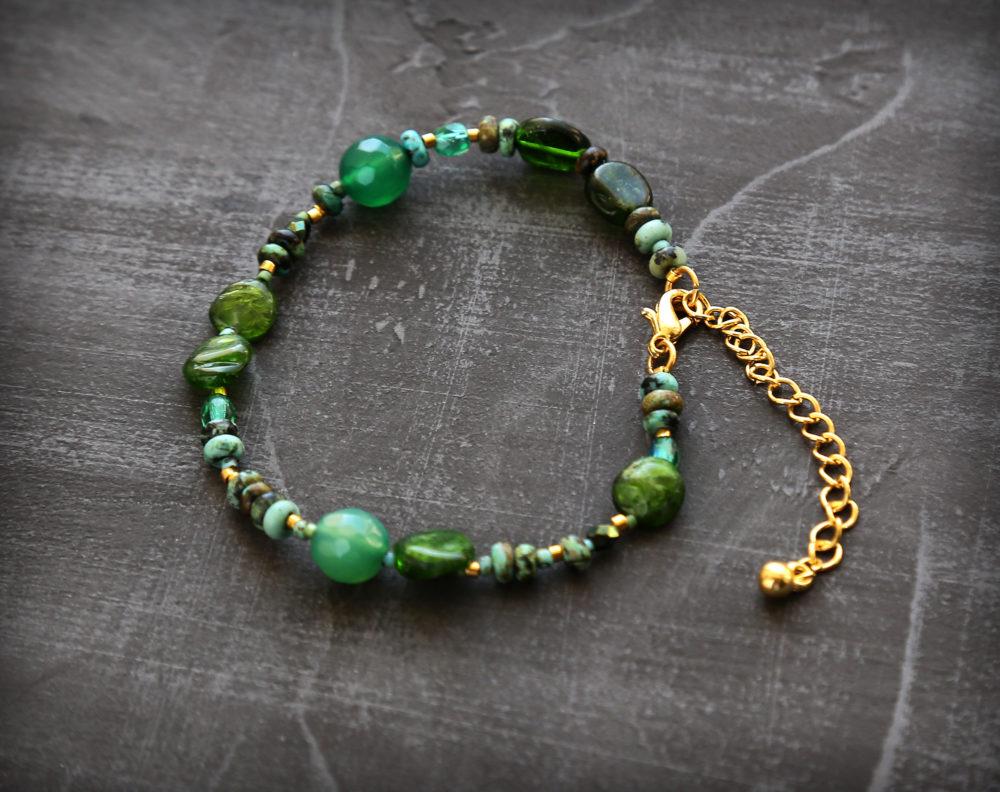 купить браслет с камнями