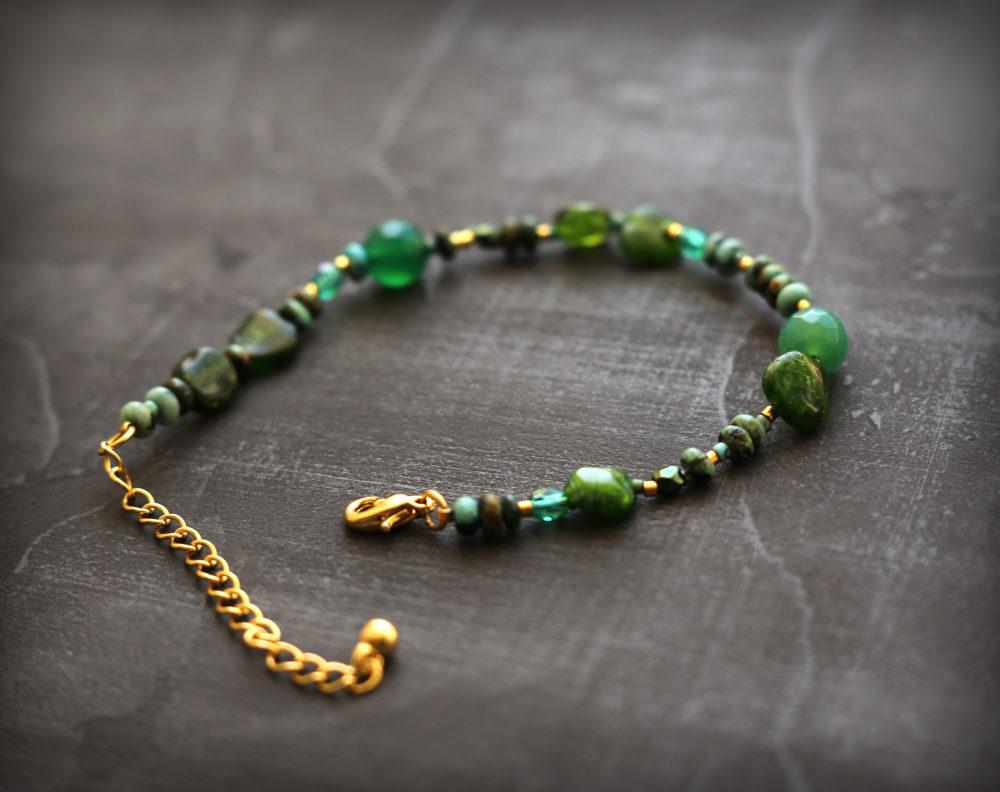 браслеты обереги из натуральных камней
