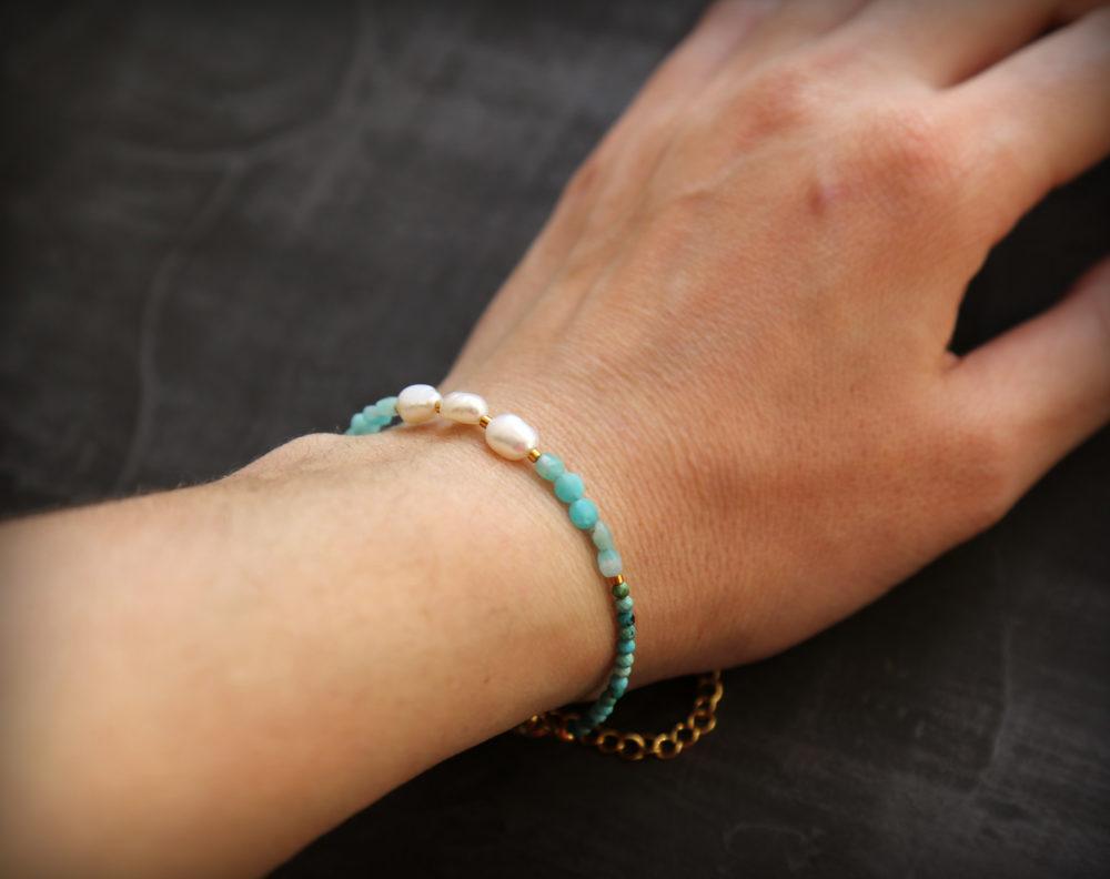 браслеты из камней на руке фото