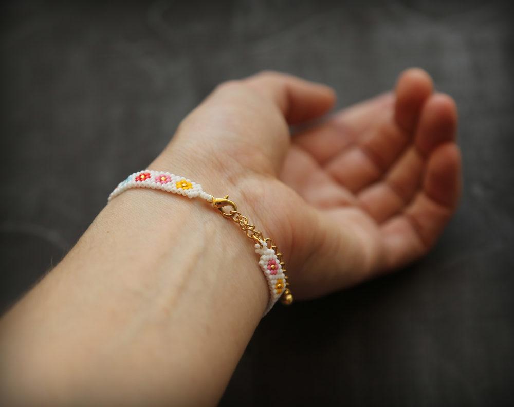модные браслеты из бисера купить