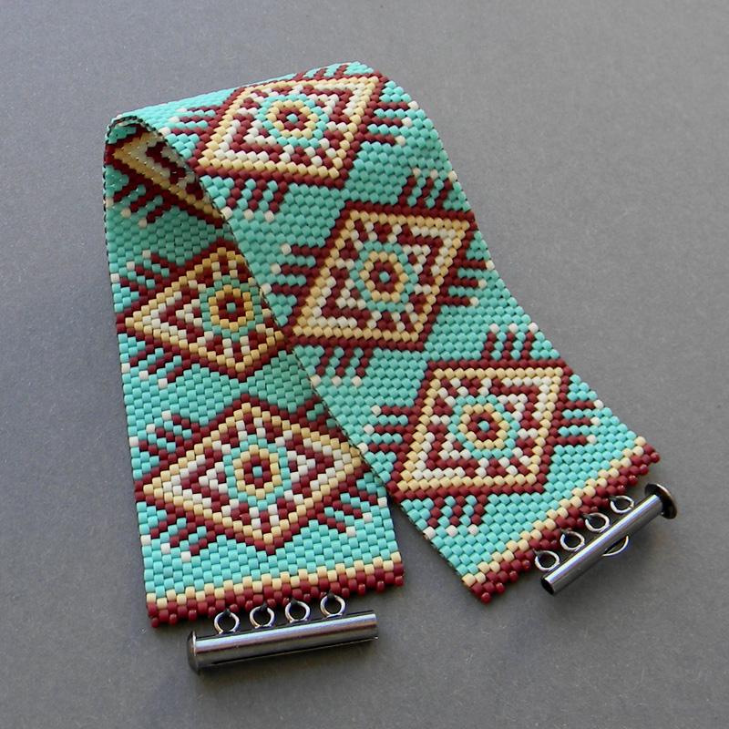 молодежные женские браслеты